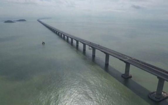 Maior ponte sobre o mar será inaugurada na China
